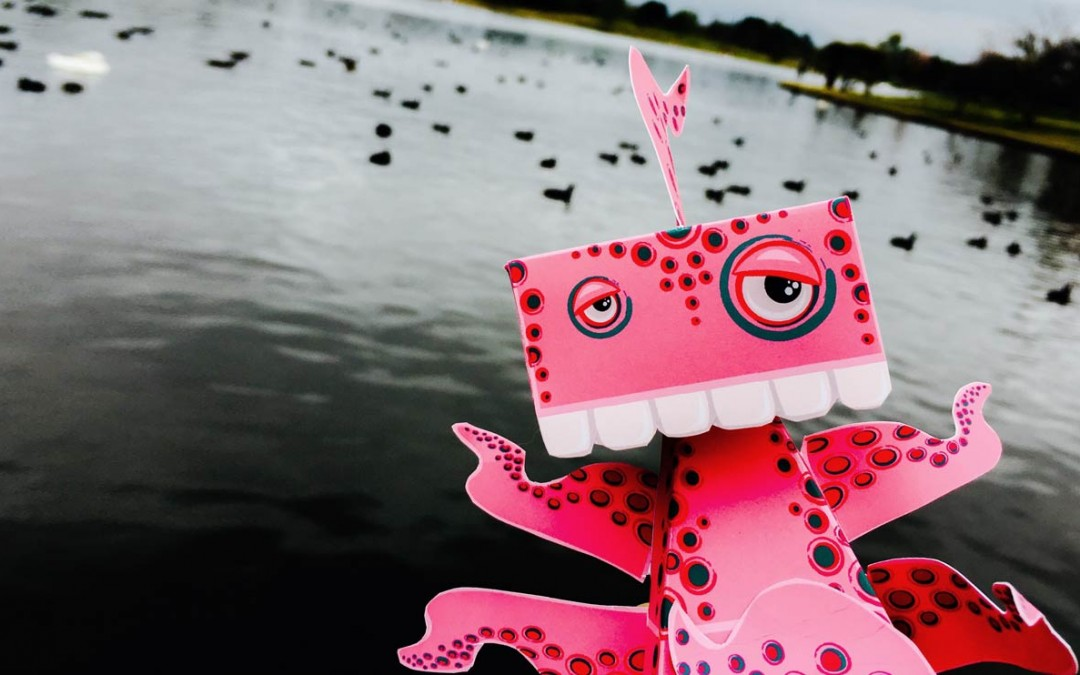 HedKase Clammy 2.0 Paper Toy