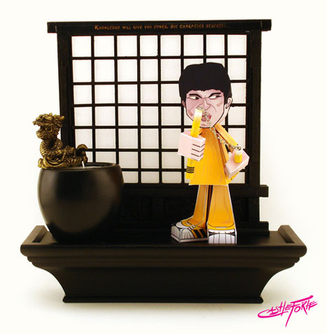 Original Bruce Lee Paper Toy Show Piece